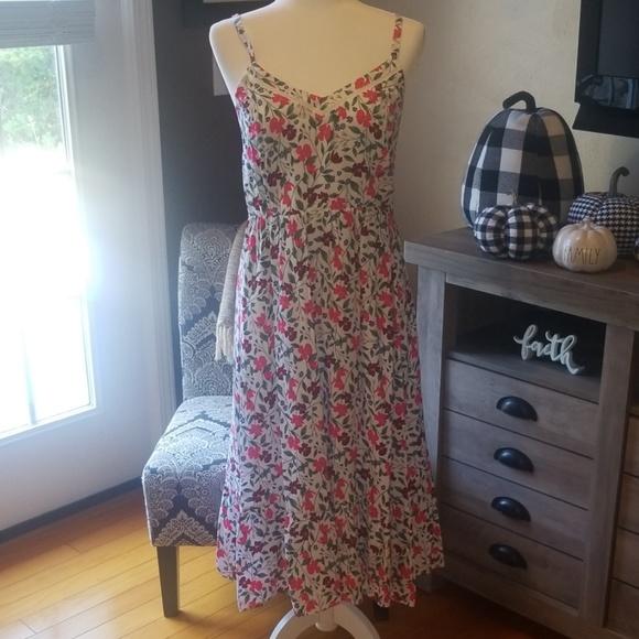 Old Navy Dresses & Skirts - Womens spaghetti strap dress.
